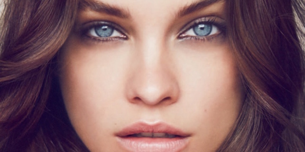 Barbara Palvin showt herfst trends in beauty spread