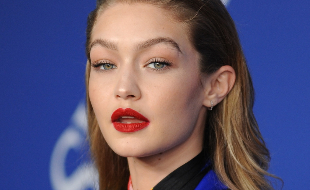 /ckfinder/userfiles/images/Fashionscene/Beelden%202018/Juli%202018/BP_34347505%20gigi%20hadid%20love%20magazine%20cover%20donnie%20darko.jpg