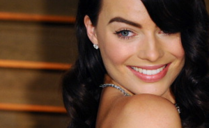 Margot Robbie's transformatie van blond naar brunette