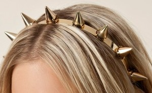 Hip of horror: haarband met spikes
