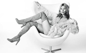 Kate Moss over korte rokjes en knee-high boots