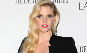 Get the Look of Lara Stone