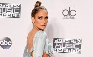 Get the Look of Jennifer Lopez