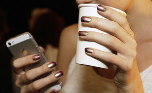 Gespot: luxe ombre nails @ New York Fashion Week