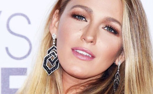 Look like Blake Lively met deze make-upproducten