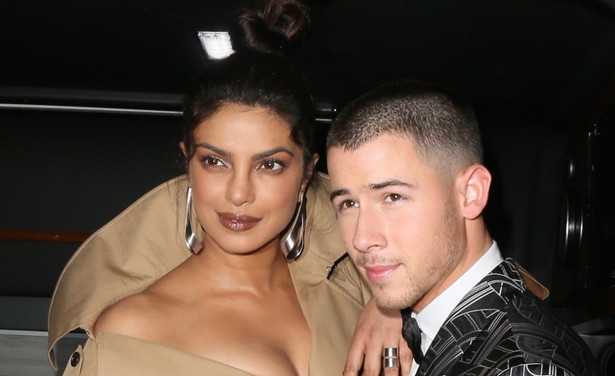 /ckfinder/userfiles/images/Fashionscene/Beelden%202018/December%202018/BP_32326191%20priyanka%20chopra%20nick%20jonas%20trouw%20outfits.jpg