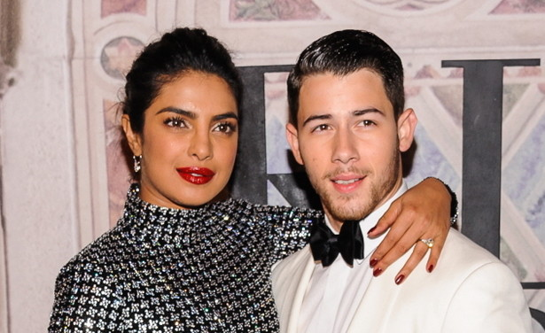 /ckfinder/userfiles/images/Fashionscene/Beelden%202018/December%202018/BP_35287641%20nick%20jonas%20priyanka%20chopra%20thumb.jpg