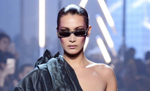 /ckfinder/userfiles/images/Fashionscene/Beelden%202018/Januari%202018/BP_33670069%20bella%20hadid%20tepel%20nipple%20paris%20fashion%20week%20couture%20alexandre%20vauthier%20thumb.jpg