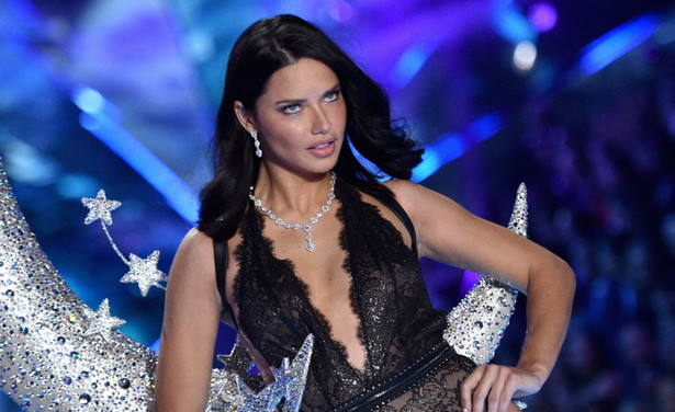 /ckfinder/userfiles/images/Fashionscene/Beelden%202018/November%202018/BP_35179153%20adriana%20lima%20victoria's%20secret%20show%202018%20thumb.jpg