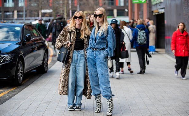 /ckfinder/userfiles/images/trendalert/202003/GettyImages-1206959576%20denim%20on%20denim%20trend%202020.jpg
