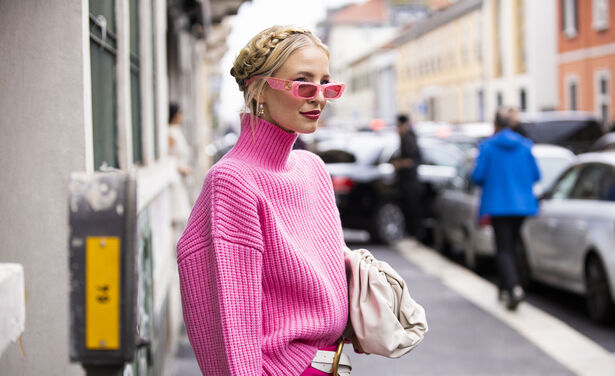 /ckfinder/userfiles/images/trendalert/202104/GettyImages-1177101553-fuchsia-make-up-trend.jpg
