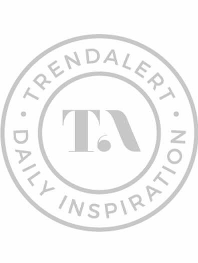 dbb434b029ab3c Wij zijn in love met de Mom jeans van Tess! Ze scoorde hem bij Closed  Jeans. De schoenen zijn van Sarenza.nl!