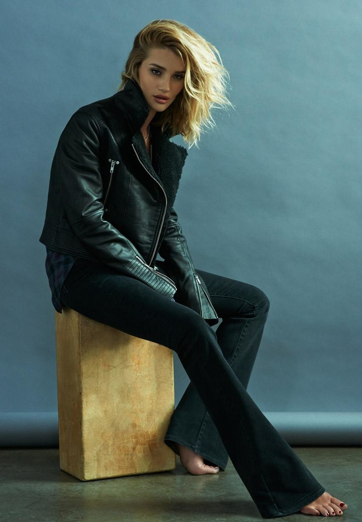 De nieuwe Paige Denim campagne met Rosie Huntington-Whiteley