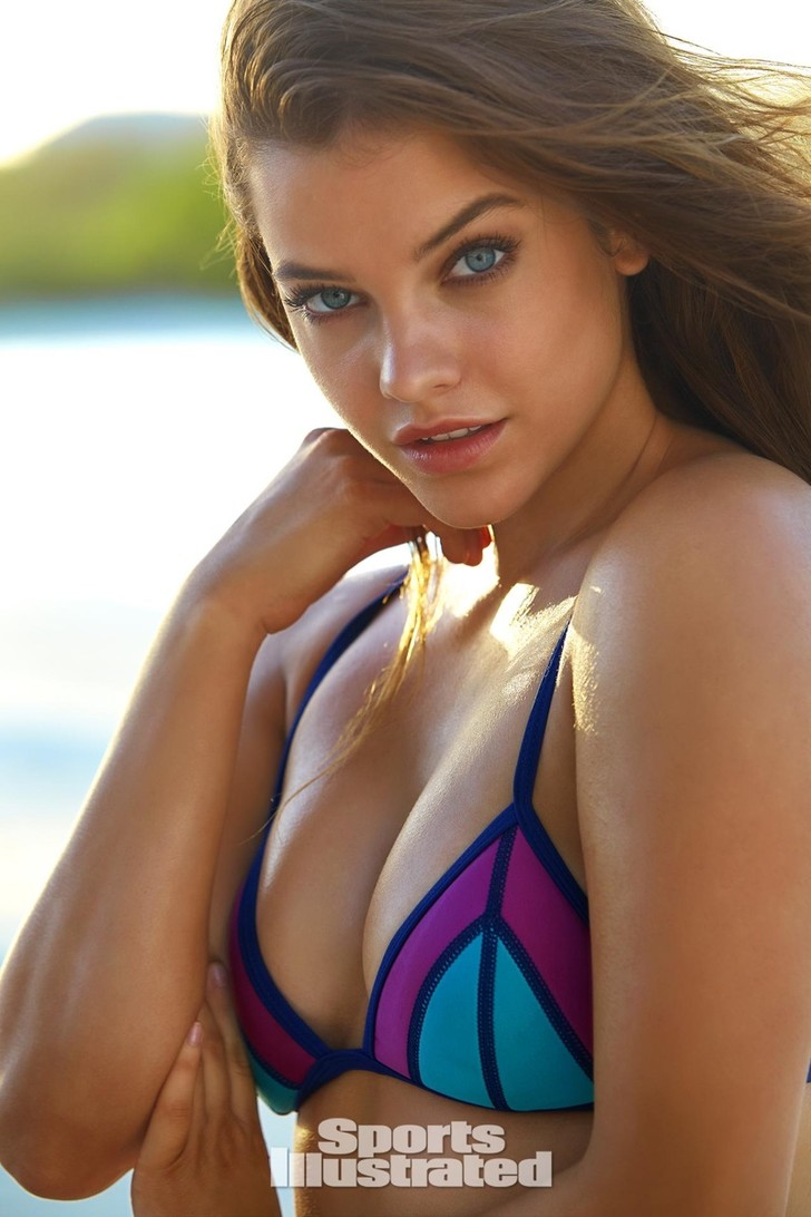 Barbara Palvin showt haar curves in Sports Illustrated Swimsuit issue