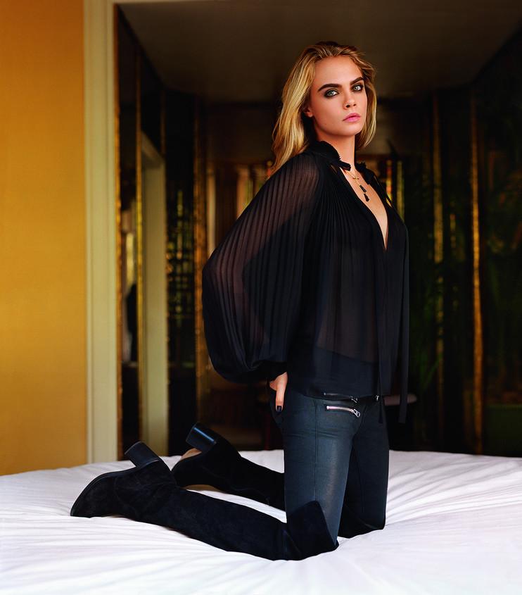 f9689a28410e5f Cara Delevingne is het eerste model die dit voor elkaar heeft gekregen.  Zelfs Kate Moss heeft nooit de titel  solo face  weten te bemachtigen.