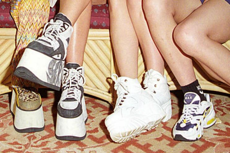 Verrassend Deze schoen uit de jaren 90 maakt een comeback - Trendalert EM-88