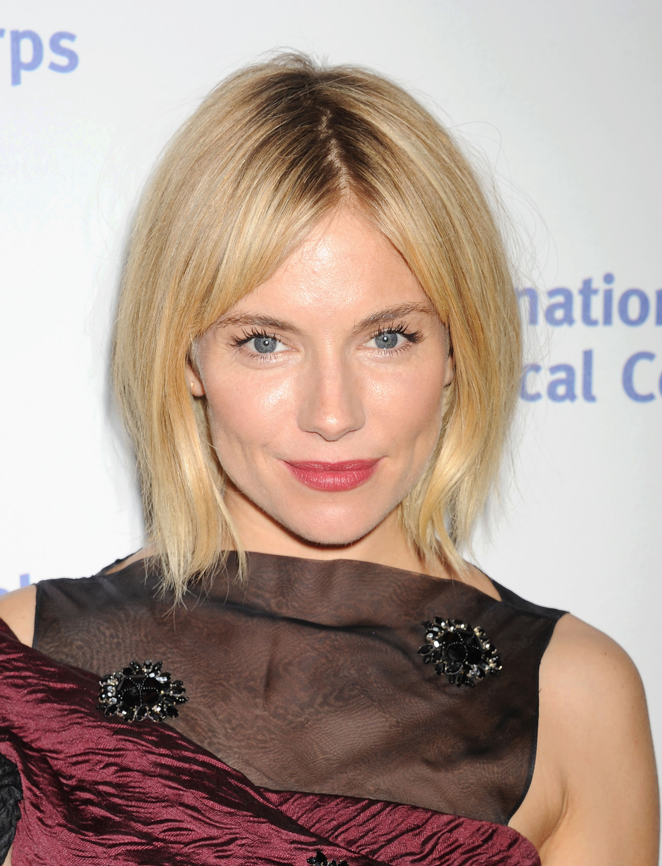 De beauty & hair secrets van Sienna Miller