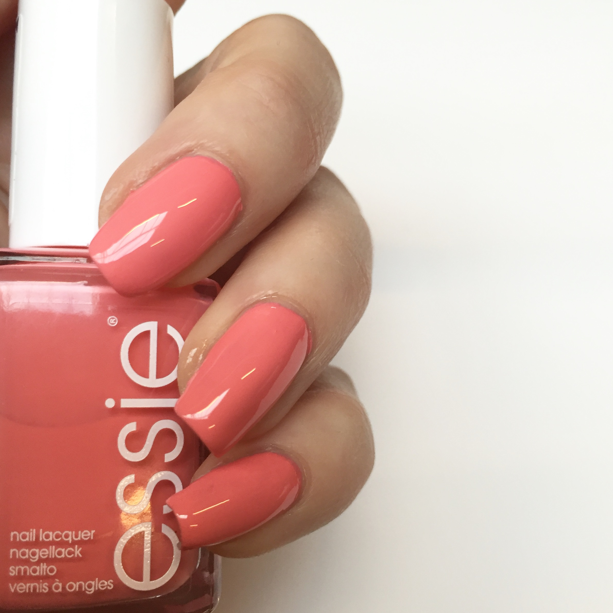 Essie on the nails: Spring escape to the Sunshine State | TrendAlert