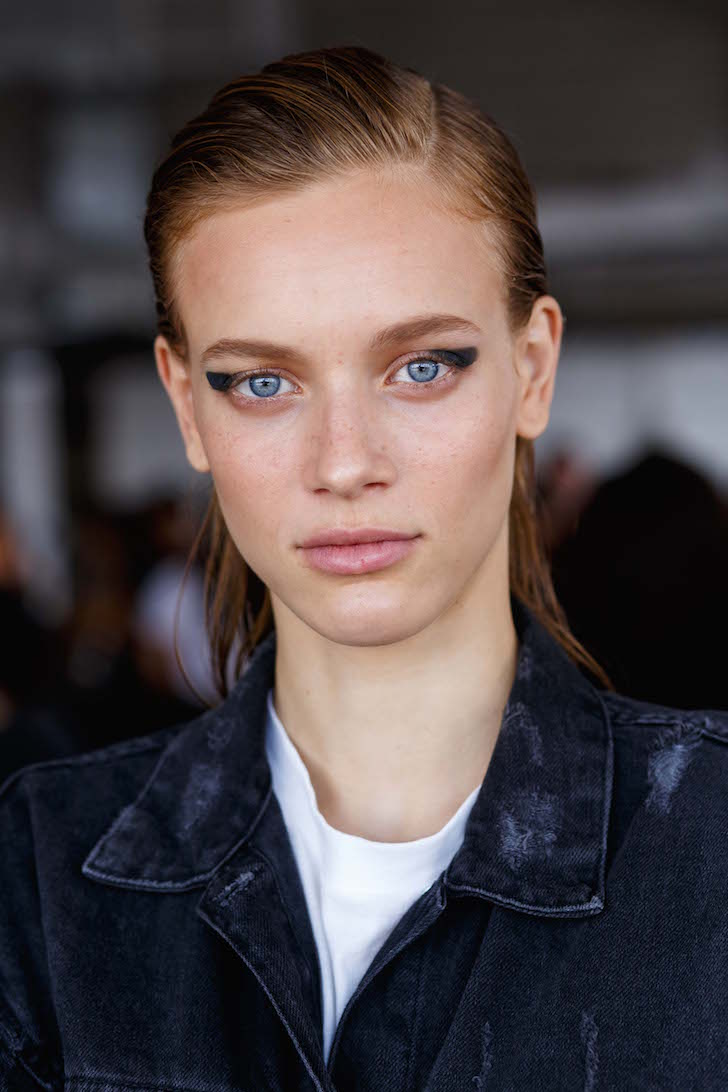 Gespot tijdens NYFW: rounded winged eyeliner